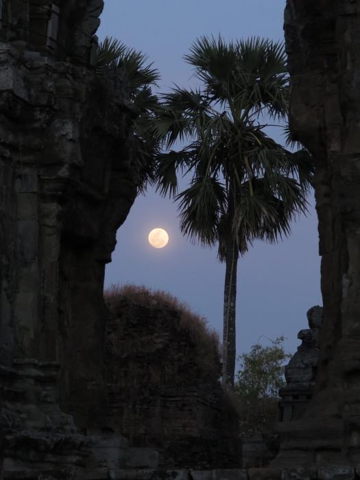 lune cambodge