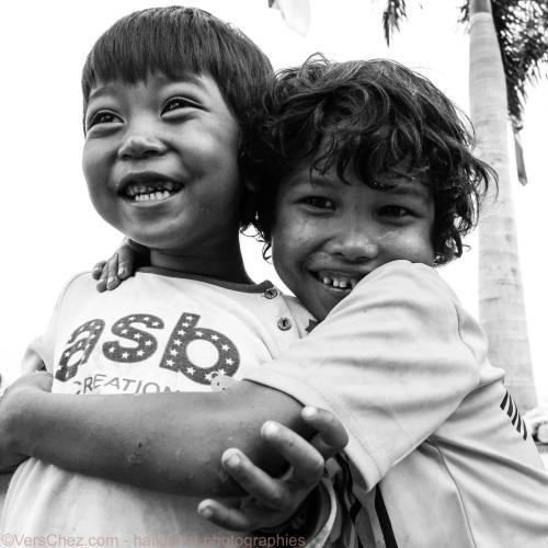 enfants-rires-cambodge-haiku