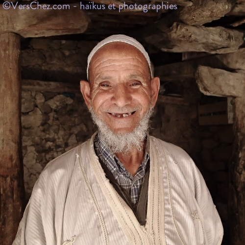 maroc-sourire-montagne-haiku-the-menthe