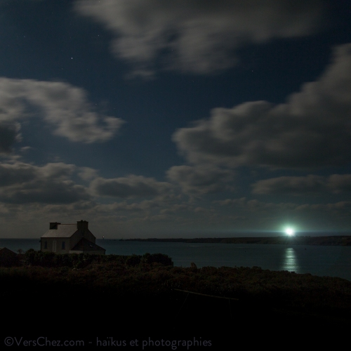 ouessant-phare-nuit-lune
