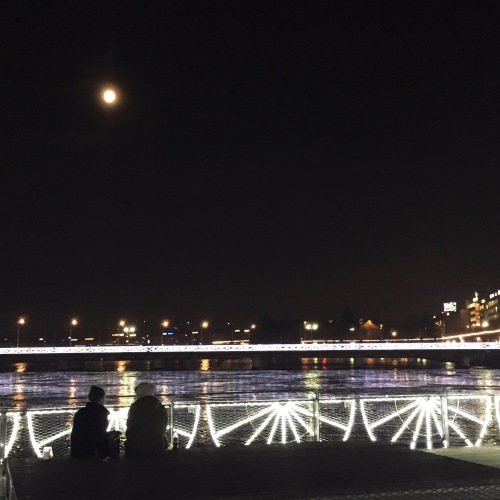 haiku-lumiere-geneve-lune